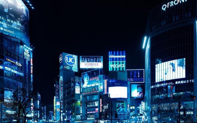 渋谷のキャバクラ店を渡り歩く